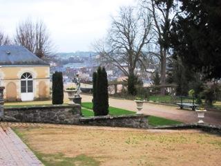 Laval 53 jardin de la perrine cimeti res de france for Entretien jardin laval 53